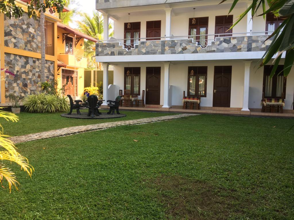 Отель, Villa De White Sambur