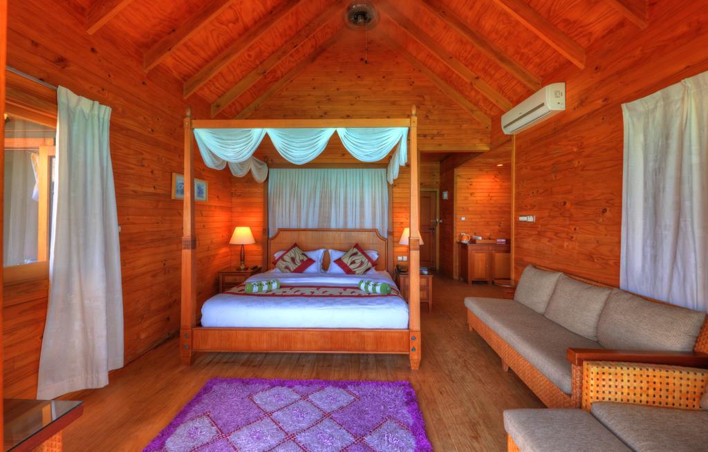 Fihalhohi Island Resort, Южный Мале Атолл, Мальдивы, фотографии туров