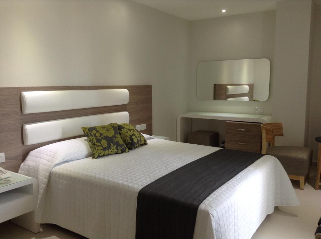 Отдых в отеле Tasia Maris Sands Айя-Напа