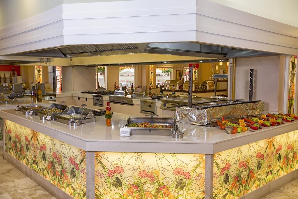 Відпочинок в готелі Orange County Resort Hotel Kemer Кемер Туреччина
