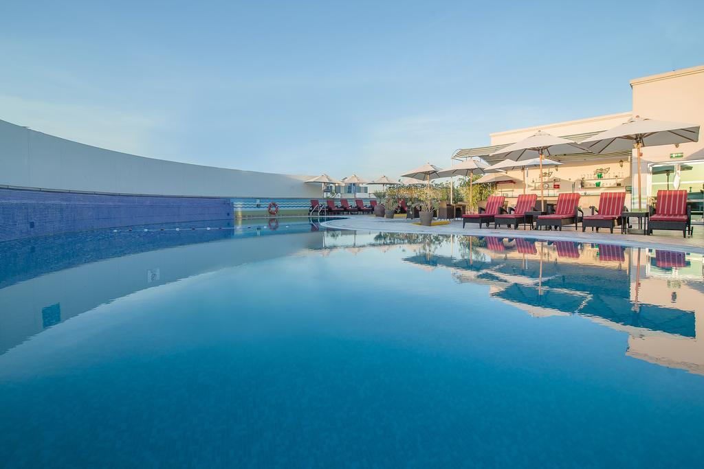 Holiday Inn Bur Dubai Embassy District, Дубай (город) цены