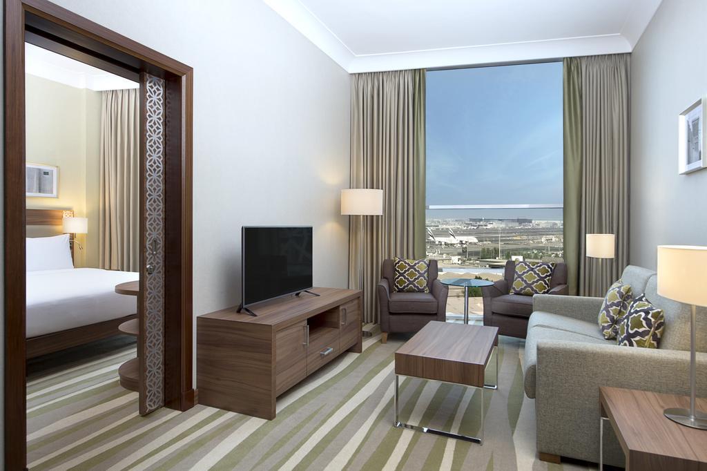 Горящие туры в отель Hilton Garden Inn Dubai Al Muraqabat Дубай (город) ОАЭ