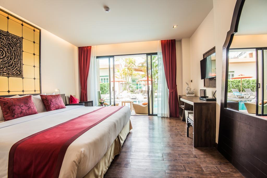 Ціни в готелі The Beach Heights Resort