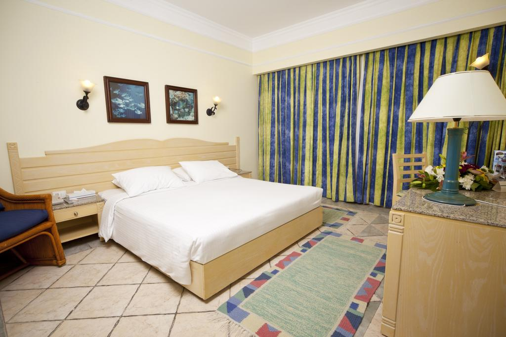 Відпочинок в готелі Coral Beach Resort Tiran Шарм-ель-Шейх