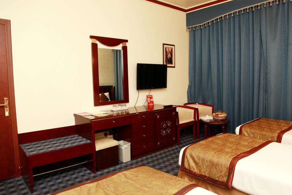 Orchid Hotel фото туристов