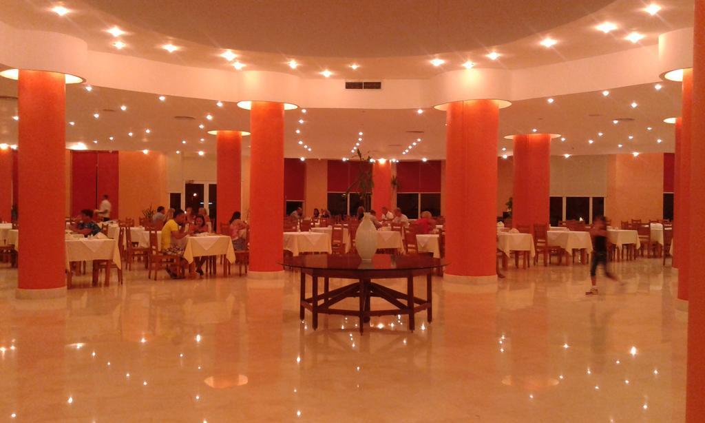 Горящие туры в отель Sharm Reef Шарм-эль-Шейх