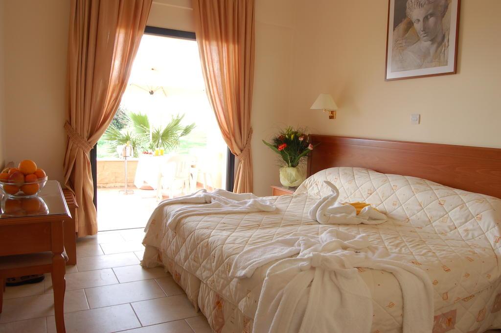 Туры в отель Panareti Coral Bay Hotel Пафос Кипр