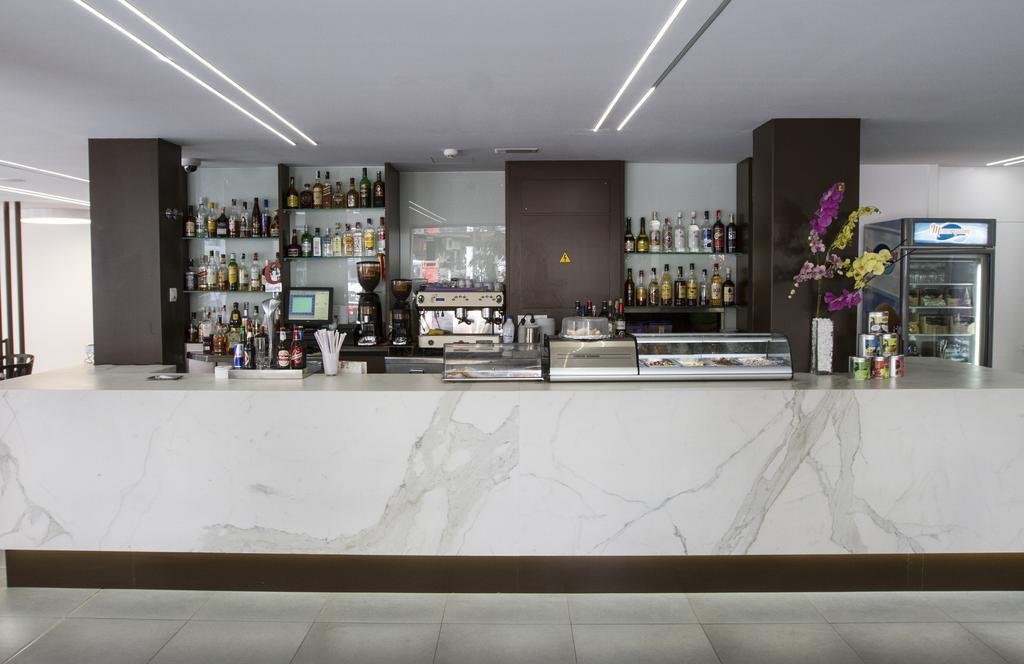 Горящие туры в отель Montesol