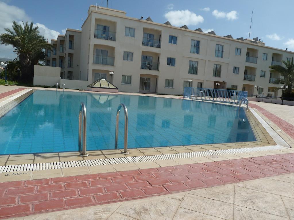Фото отеля Helios Bay Hotel Apts