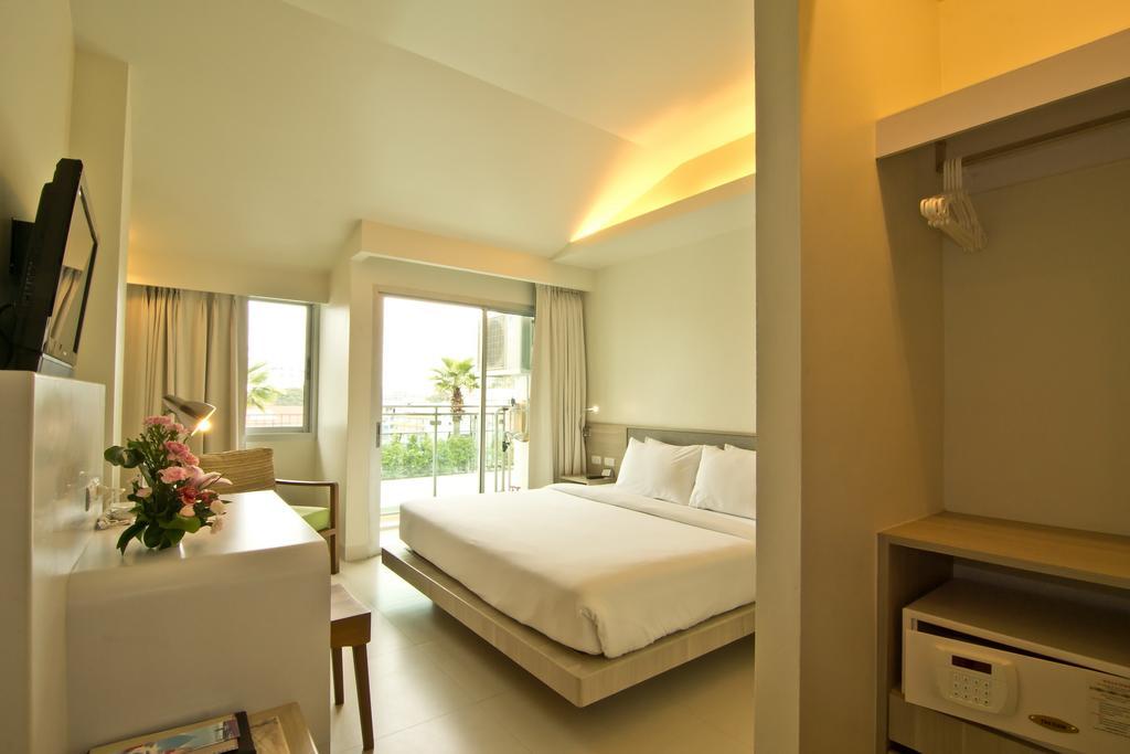 Паттайя Sunshine Hotel & Residence