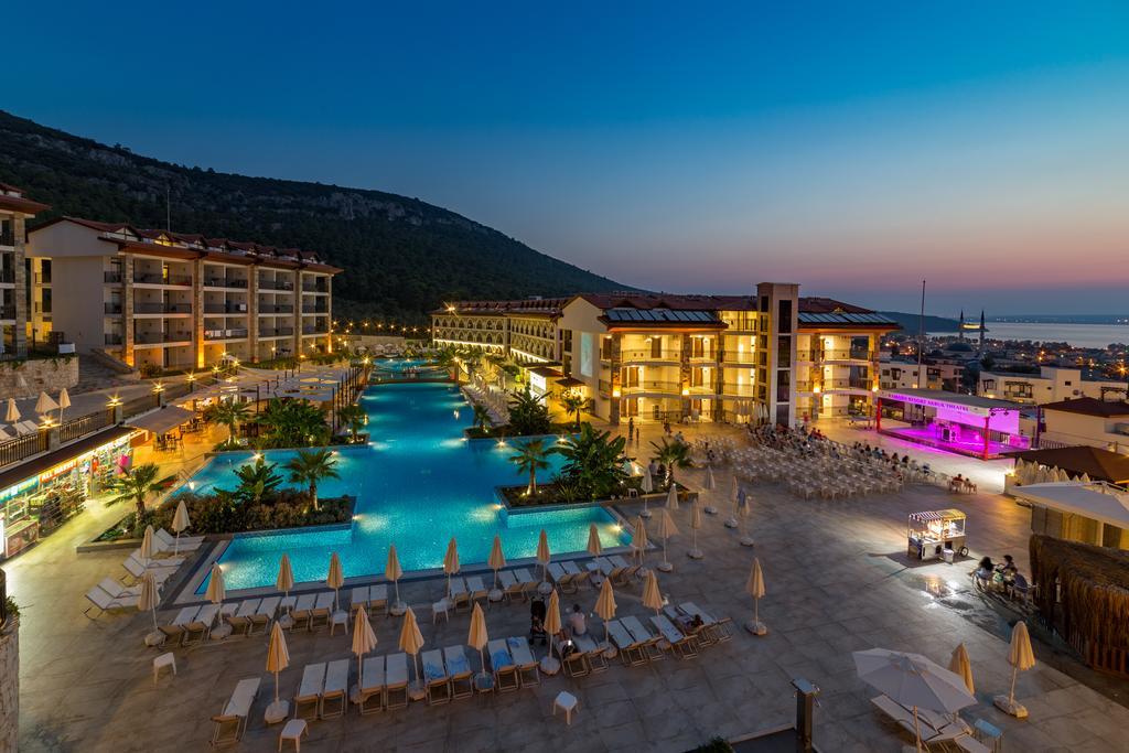 Тури в готель Ramada Resort Akbuk