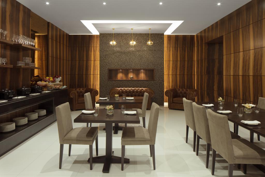 Отзывы туристов Radisson Blu Hotel Dubai Waterfront