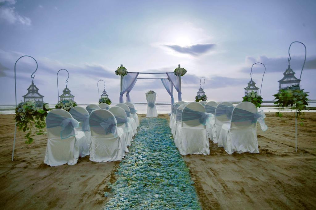 Горящие туры в отель Grand Aston Bali Beach Resort Танжунг-Беноа Индонезия