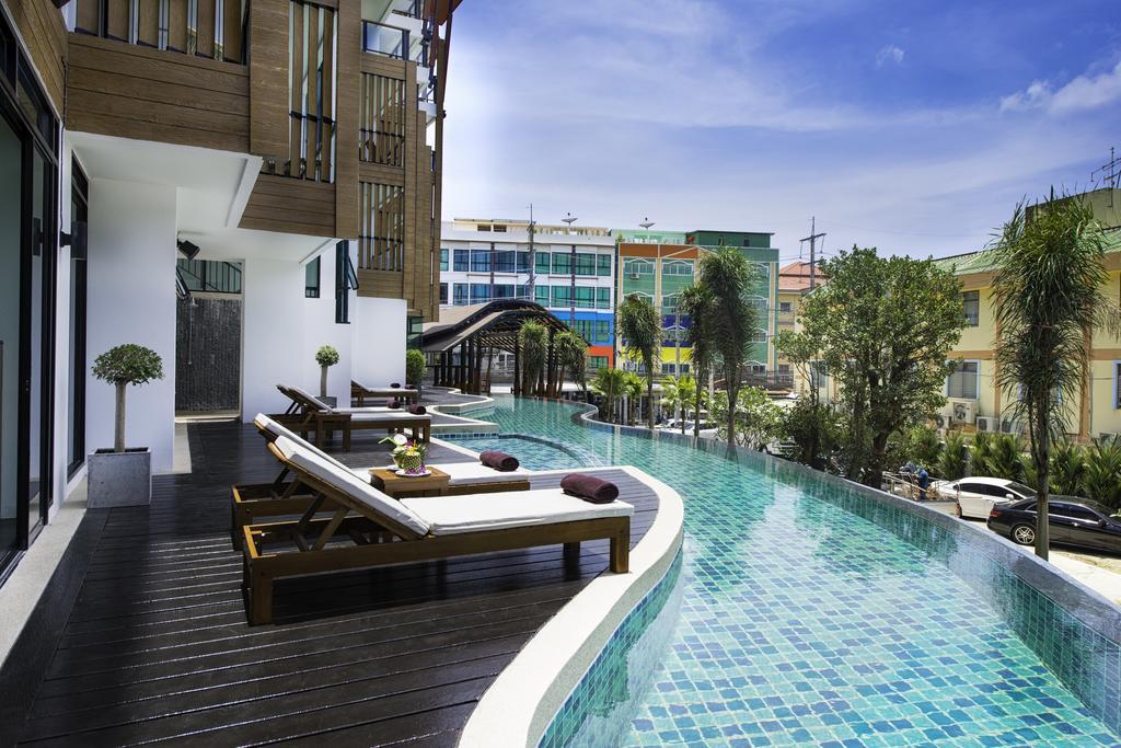 Горящие туры в отель The Lunar Patong Пхукет