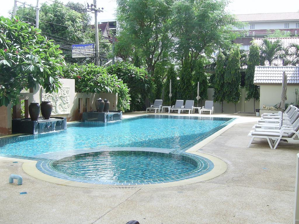 Отзывы об отеле Crown Pattaya Hotel