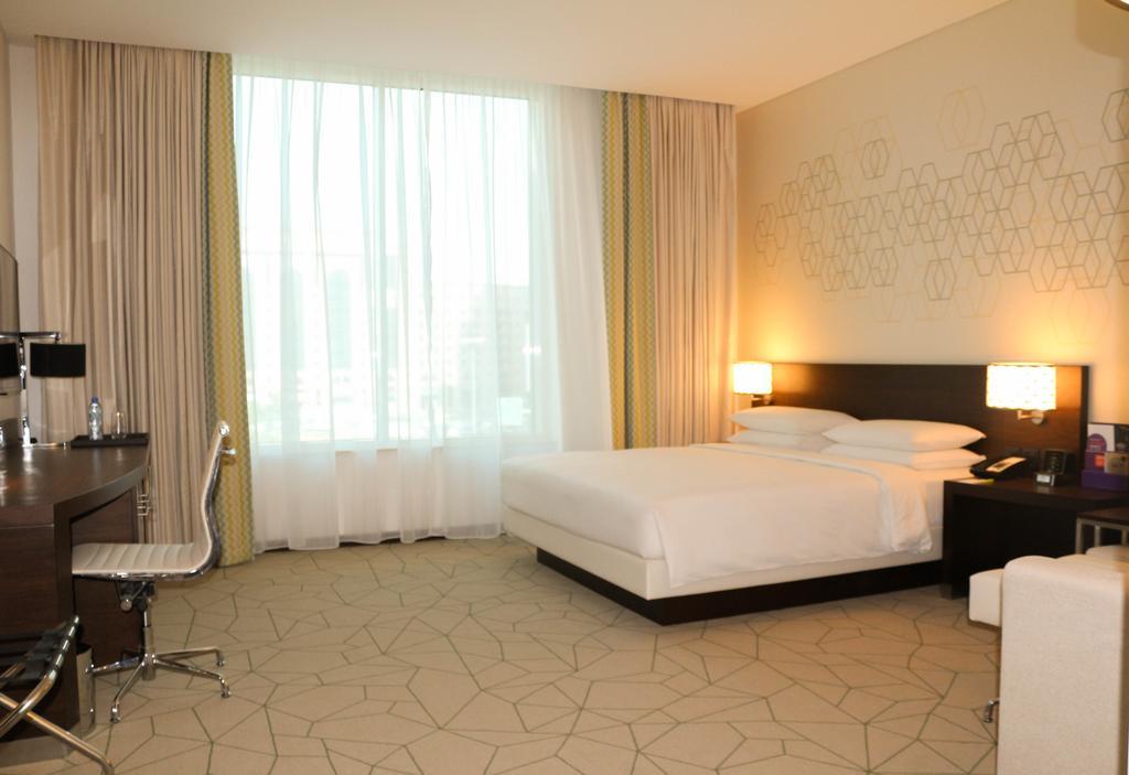 Отдых в отеле Hyatt Place Baniyas Square Дубай (город)