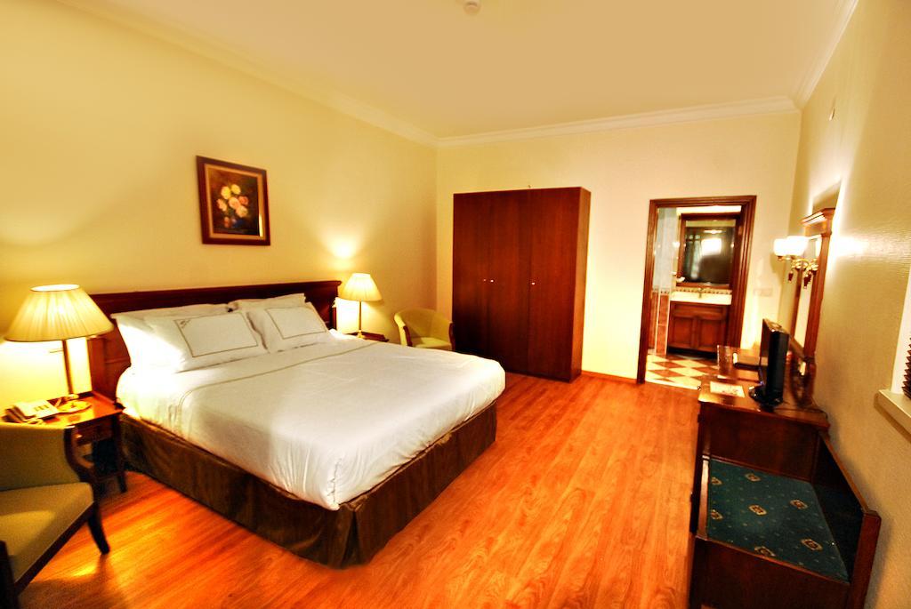 Отзывы об отеле Golden Crown Hotel
