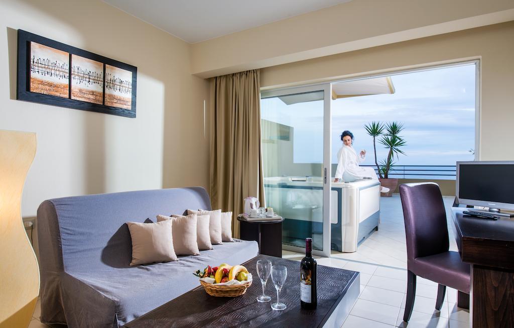Відпочинок в готелі Blue Marine Resort & Spa