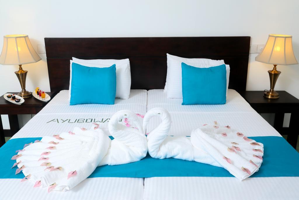 Горящие туры в отель Coco Royal Beach Resort Калутара