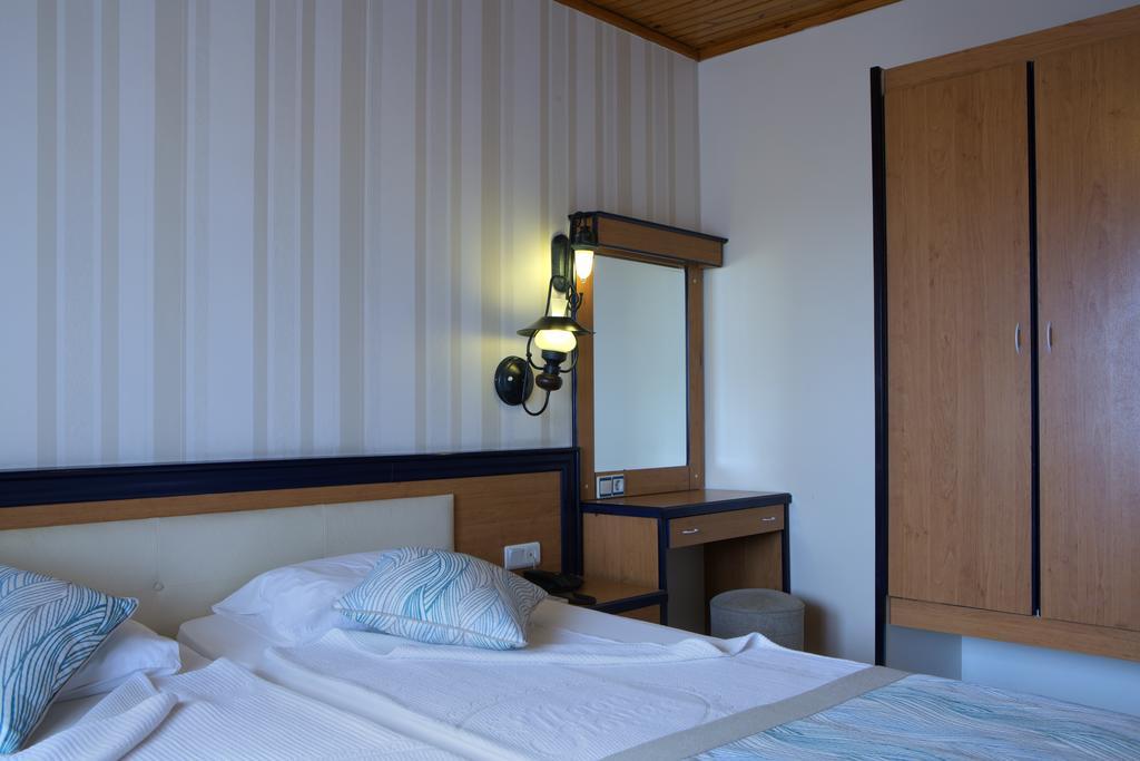 Тури в готель Villa Moonflower Aparts & Suites