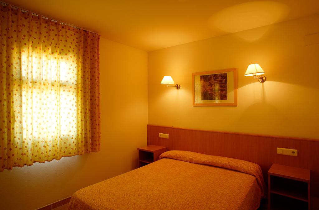 Pins Platja Apartamentos, Коста-Дорада цены