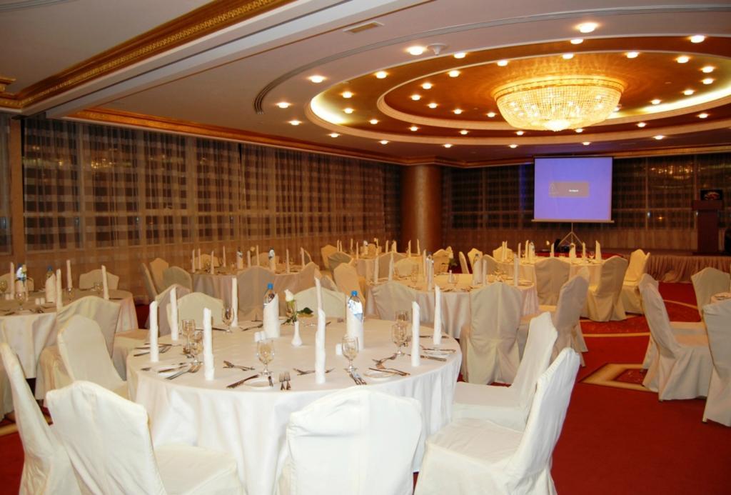 Фото готелю Grand Excelsior Hotel