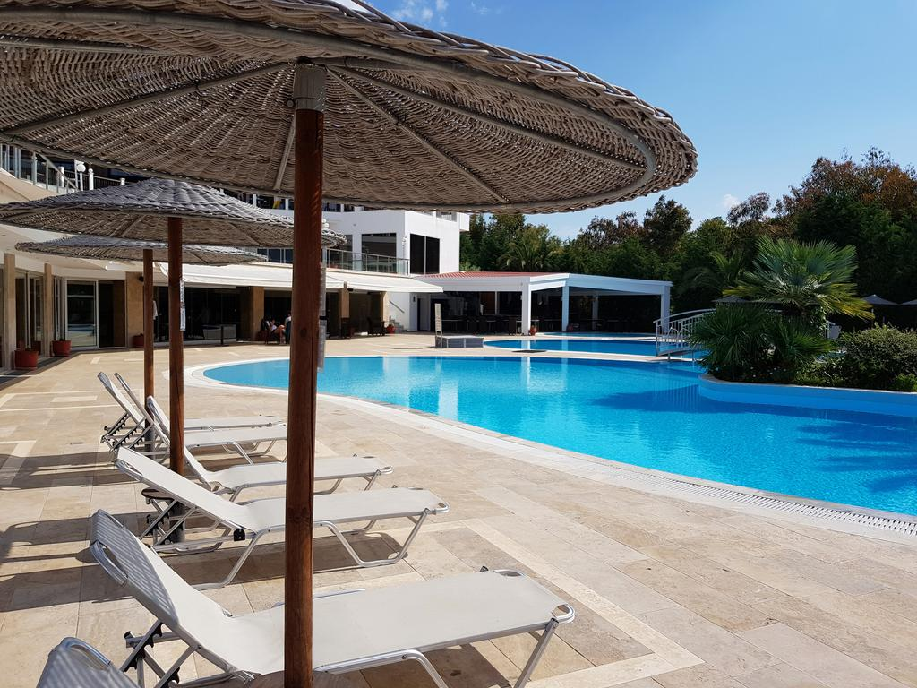 Ціни в готелі Alexandros Palace Hotel & Suites