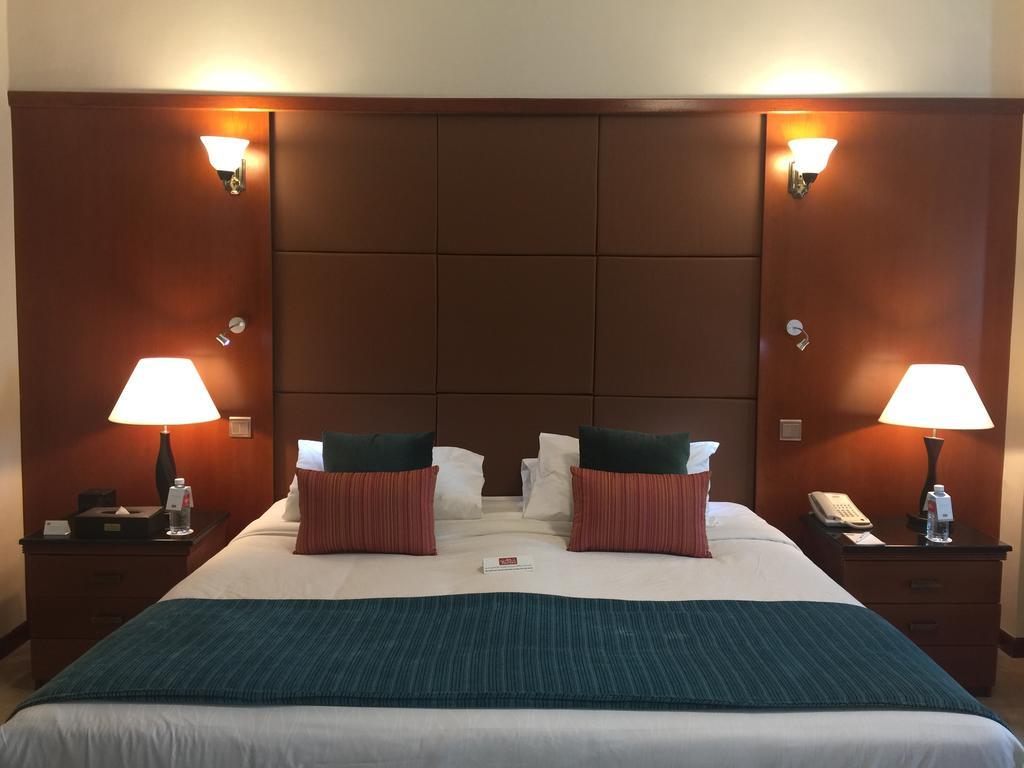 Горящие туры в отель Al Jawhara Gardens Hotel Дубай (город)