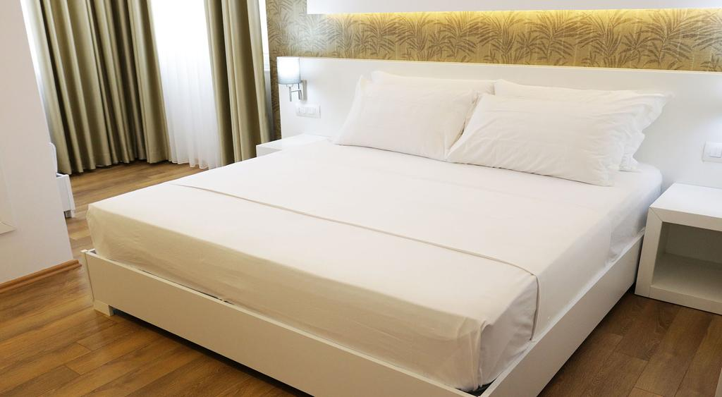 Тури в готель Prestige Hotel Дуррес Албанія