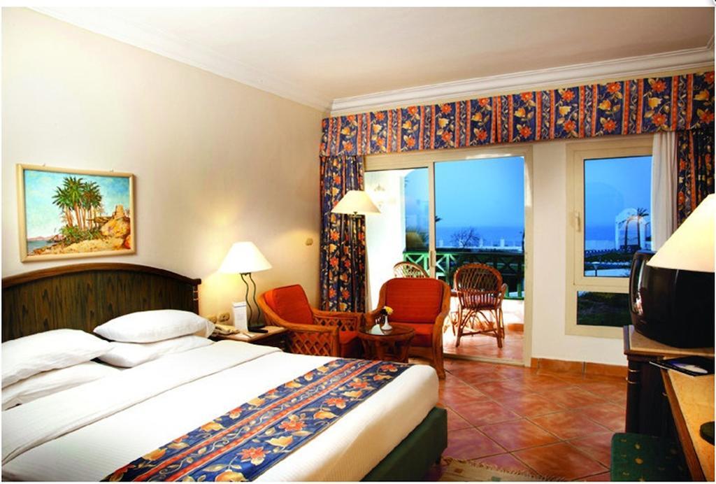 Горящие туры в отель Coral Beach Rotana Resort Montazah
