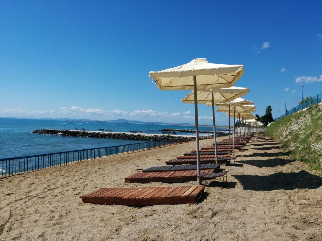 Готель, Midia Grand Resort