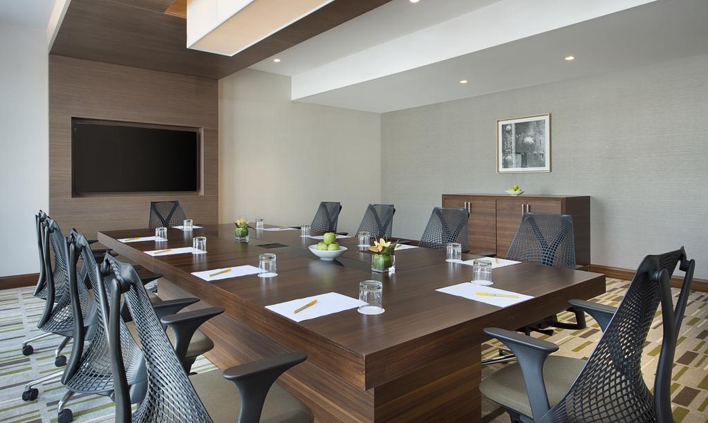 Hilton Garden Inn Dubai Al Muraqabat ОАЭ цены