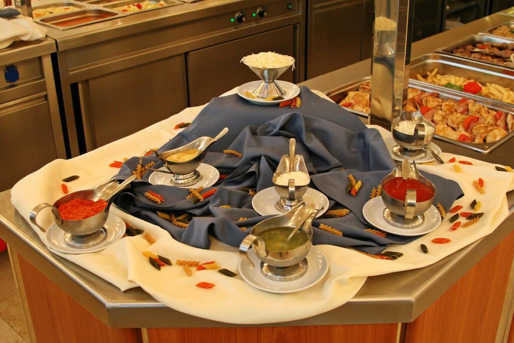 Отдых в отеле Mediteran Becici Hotel Бечичи Черногория