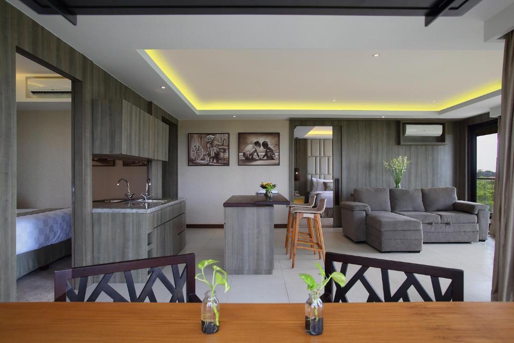 Горящие туры в отель The Crystal Luxury Bay Resort Нуса-Дуа