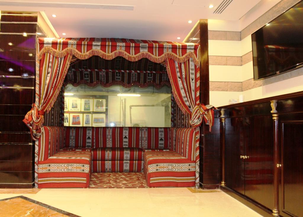 Al Khaleej Grand Hotel ціна