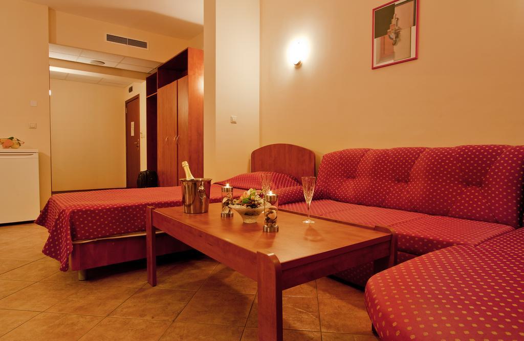 Відпочинок в готелі Ljuljak Золоті піски Болгарія