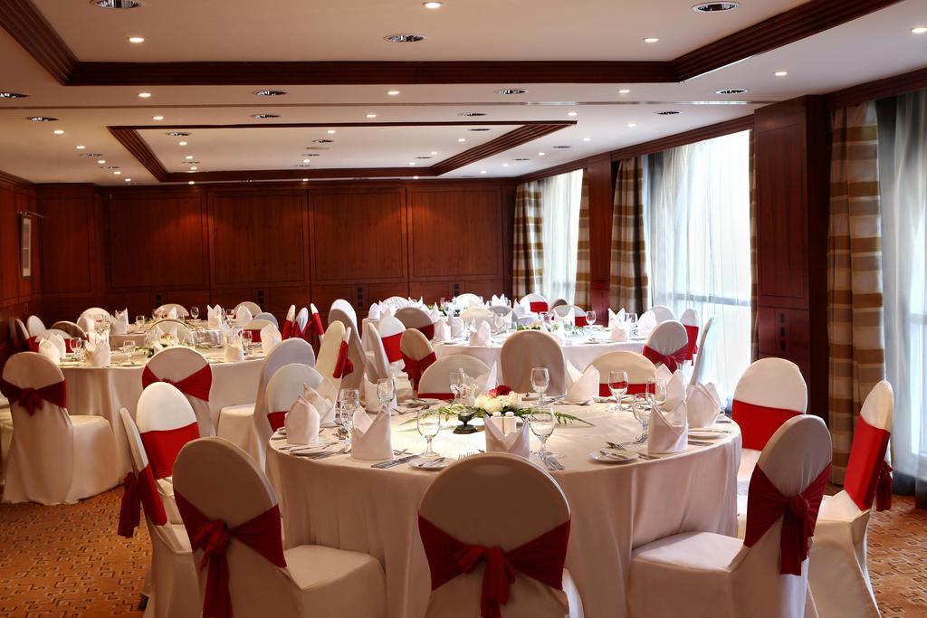 Фото отеля Swiss Belhotel Sharjah (Ex. Sharjah Rotana)
