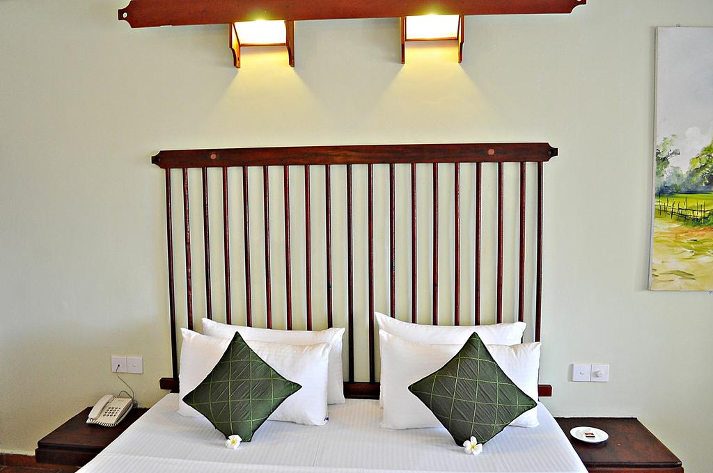 Горящие туры в отель Club Koggala Village Коггала