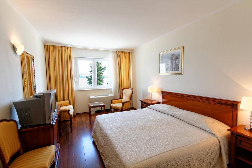 Тури в готель Jadran Трогір