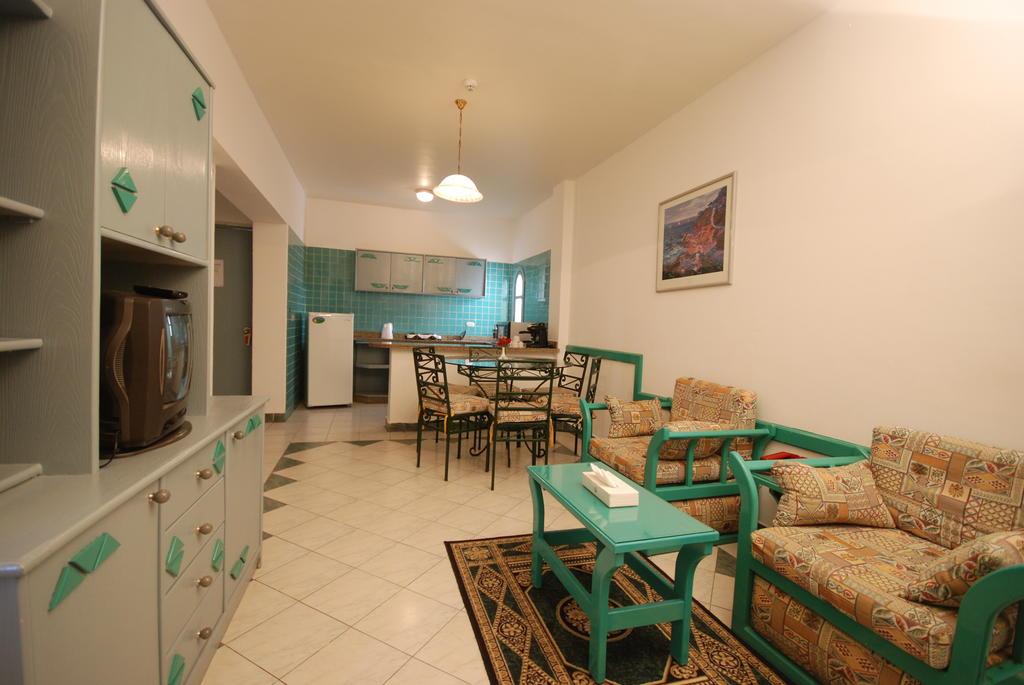Горящие туры в отель Dive Inn  Resort Шарм-эль-Шейх Египет