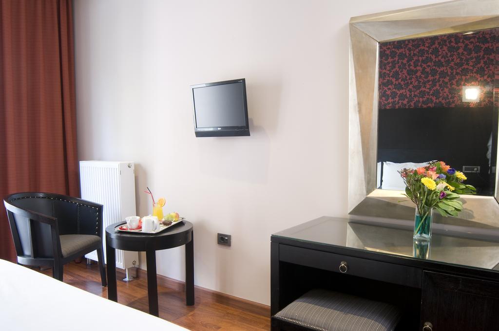 Цены в отеле Areos Boutique Hotel