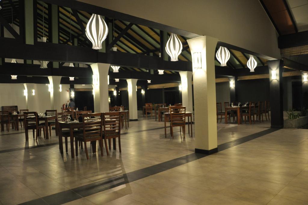 Фото отеля Kamili Beach Hotel