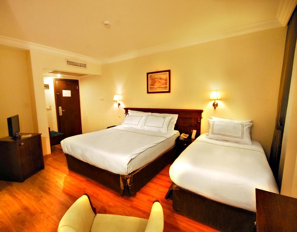 Горящие туры в отель Golden Crown Hotel