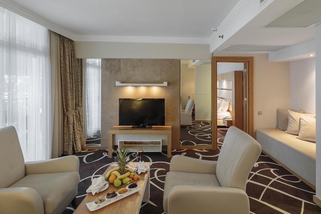 Гарячі тури в готель Alva Donna World Palace (ex. Pgs Hotels World Palace) Кемер Туреччина