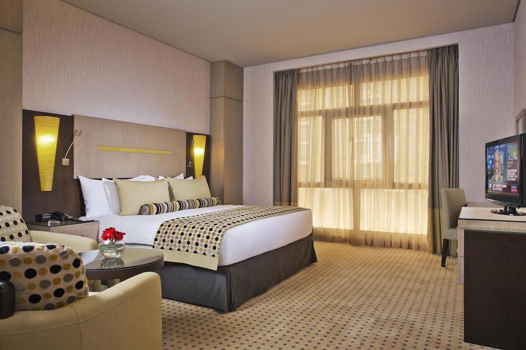Фото отеля Time Grand Plaza Hotel