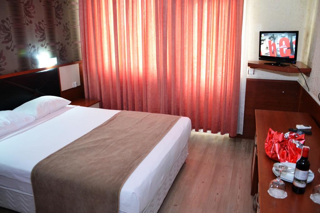 Відгуки гостей готелю Lara Hadrianus Hotel