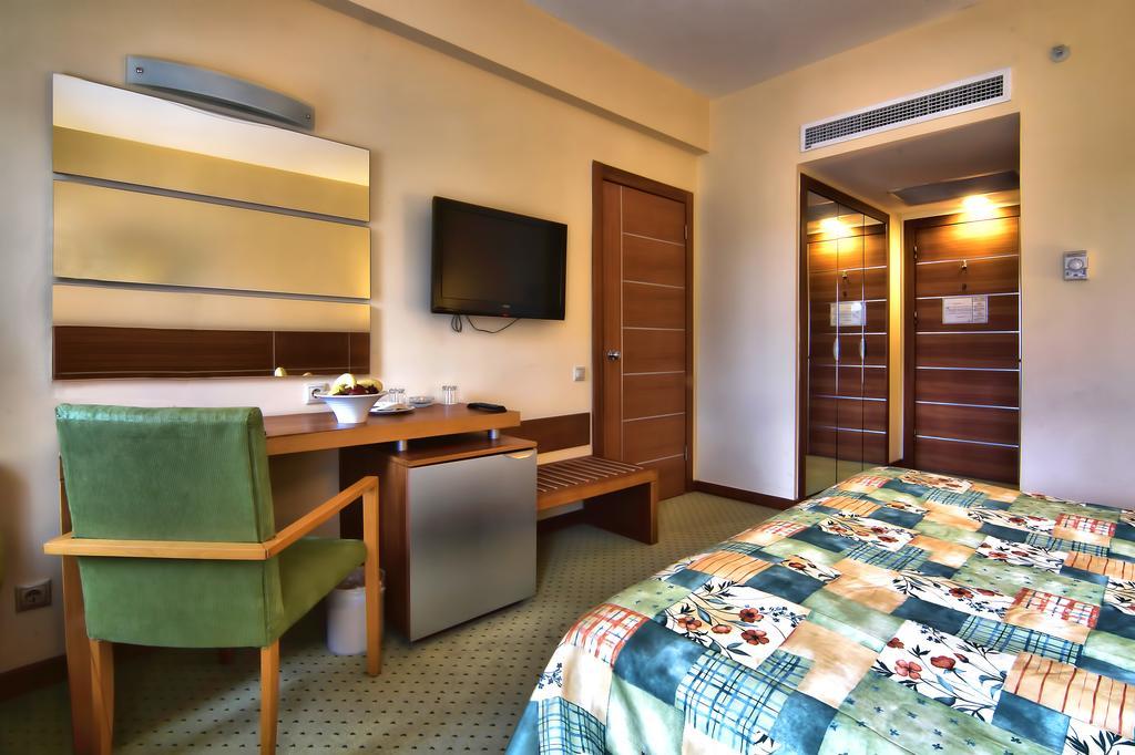 Тури в готель Limak Limra Hotel & Resort Кемер Туреччина