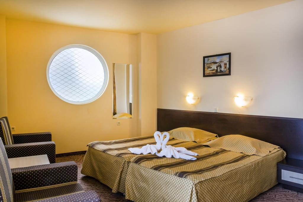 Отель, 3, Amaris