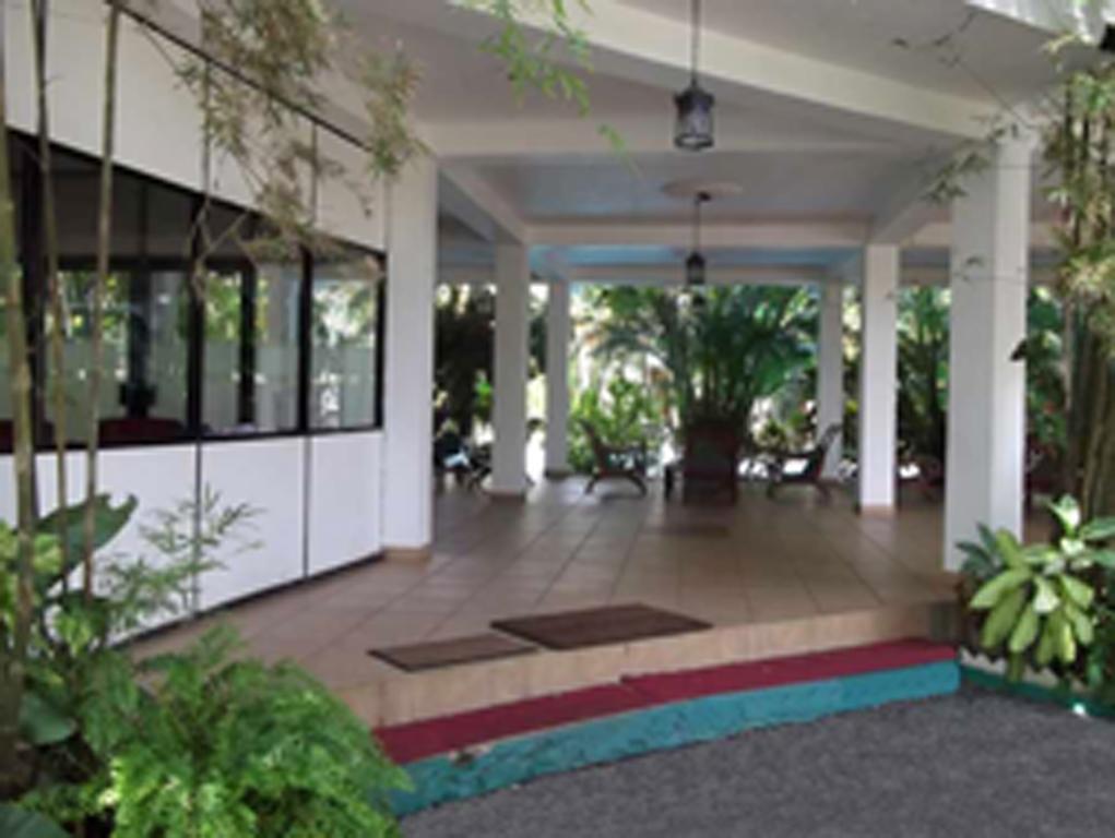 Фото отеля The White Haven Hotel - Panadura (Budget)