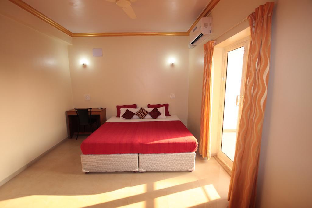Горящие туры в отель El Paso Resort Арамболь Индия